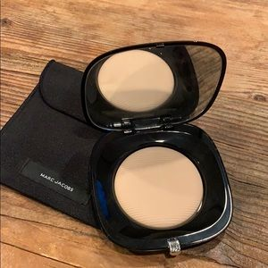 Marc Jacobs perfecting powder